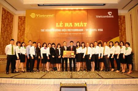 Vietcombank – Vietravel ra mắt sản phẩm thẻ tín dụng quốc tế đồng thương hiệu Vietcombank Vietravel visa